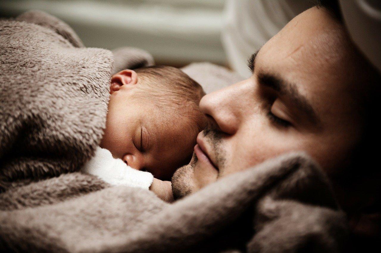 Kuschelzeit nach der Geburt